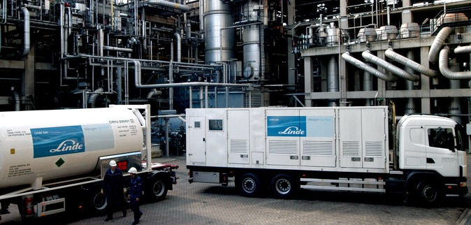 Linde Nitrogen Services provides a fully integrated service, combining expertise, equipment (Nitrogen storage and vaporization), liquid nitrogen supply, operators, engineering and logistics.